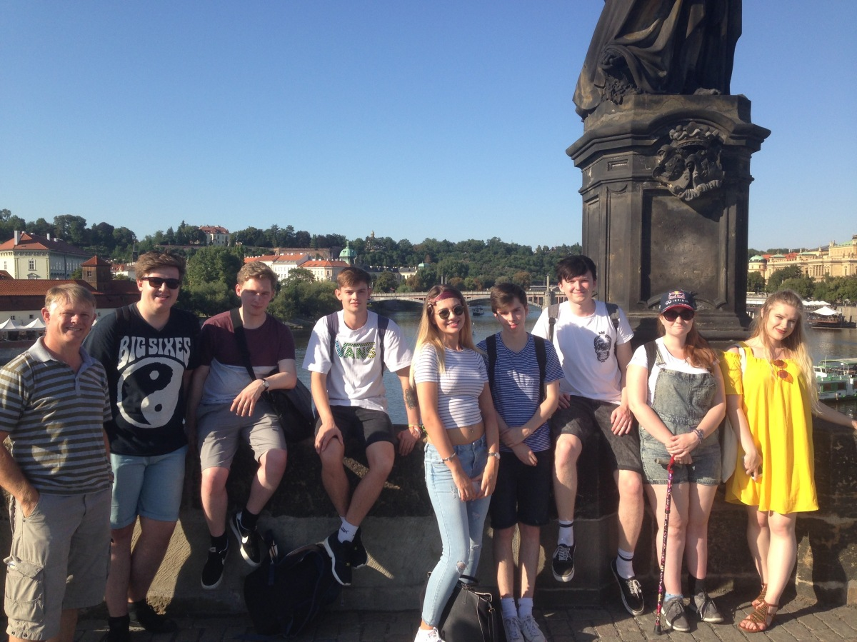 Journalism students scour the streets of Prague for stories